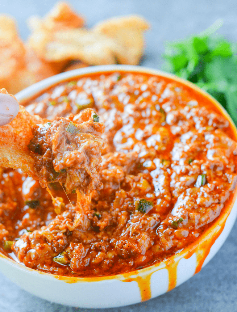This Keto Cheesy Chorizo Dip is a hearty dish full of bold flavor, spice and everything nice! The best part? Less than 1 carb per serving! | heyketomama.com