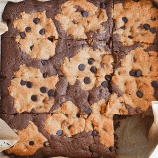 These keto brookies are a delightful low carb treat with impressive macros for your keto diet! Only 4.3g net carbs per serving! | heyketomama.com