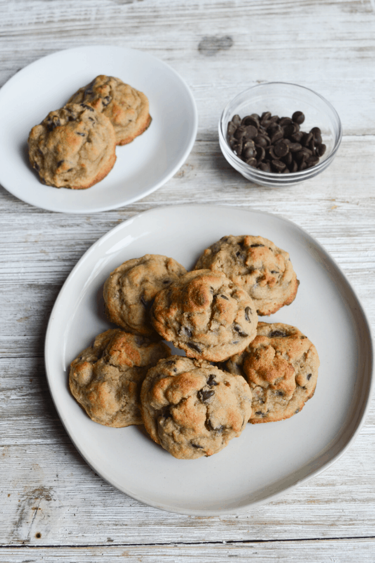 Easy Keto Chocolate Chip Cookies